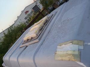 """das Dach""""fenster"""" bestand aus Klebeband"""