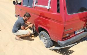 Sandbleche und Wagenheber