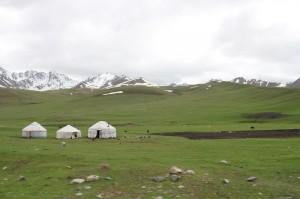 Jurten in den kirgisischen Bergen
