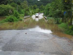 Brücke unter Wasser