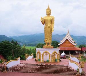 zu Füßen Buddhas