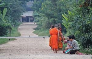 Bettelmönche in Luang Namtah