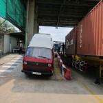 im Containerterminal